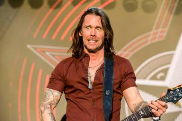 Myles Kennedy avec Alter Bridge au Rockfest de Barcelone