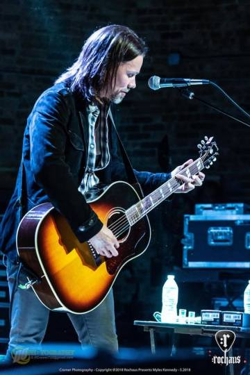 Myles Kennedy à West Dundee