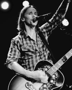 Myles Kennedy @ Co au Lincoln Theatre de Raleigh